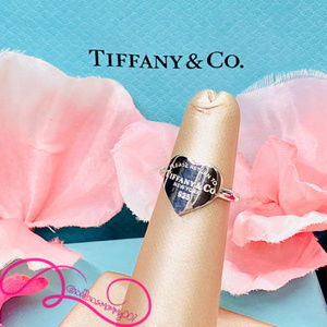 NWOT T&Co. Return to Tiffany Heart Signet Ring